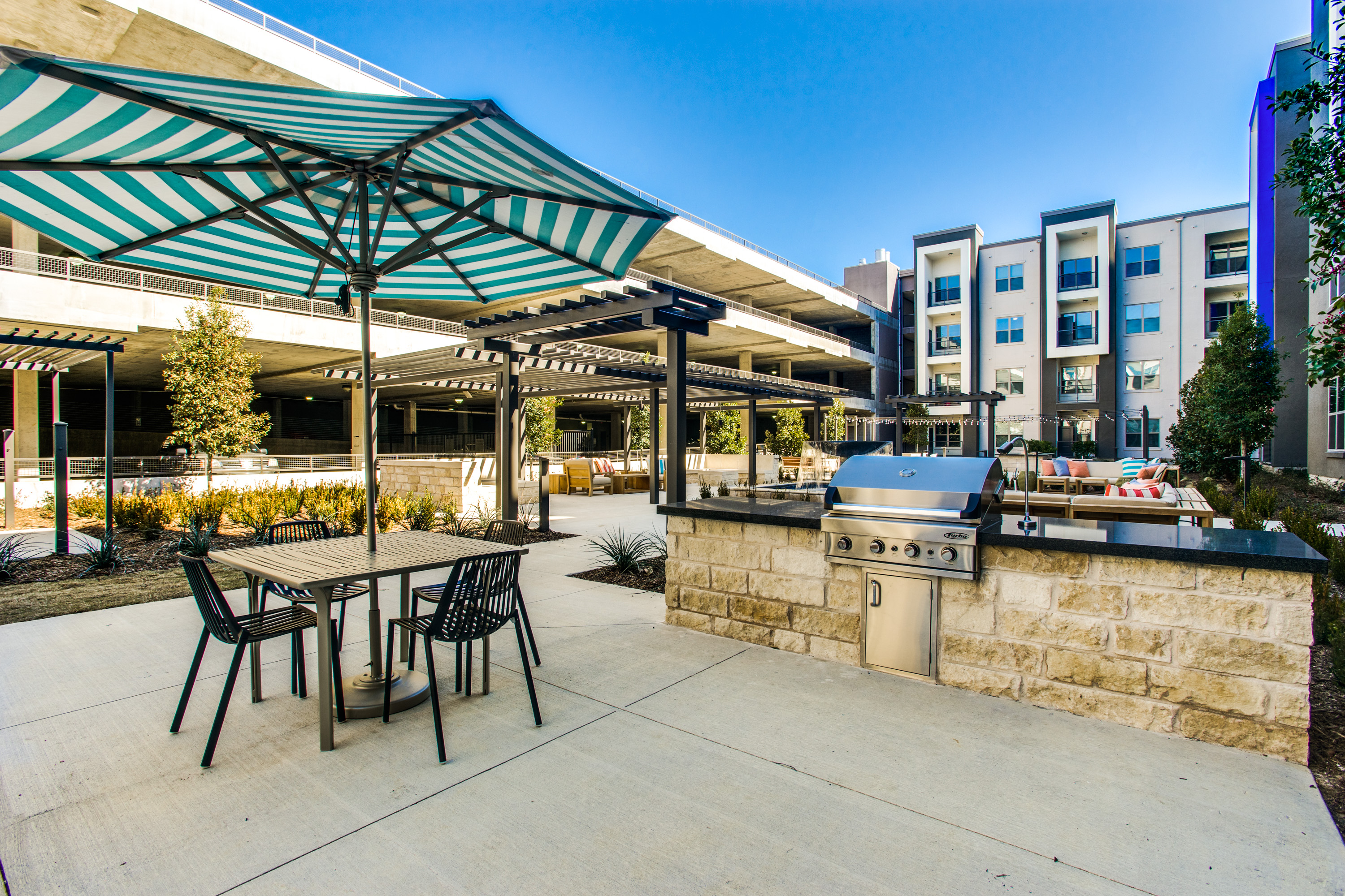 Maple District Lofts apartments image │ Sherman Residential