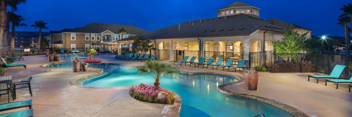 Avenues at Creekside Apartments | New Braufels TX