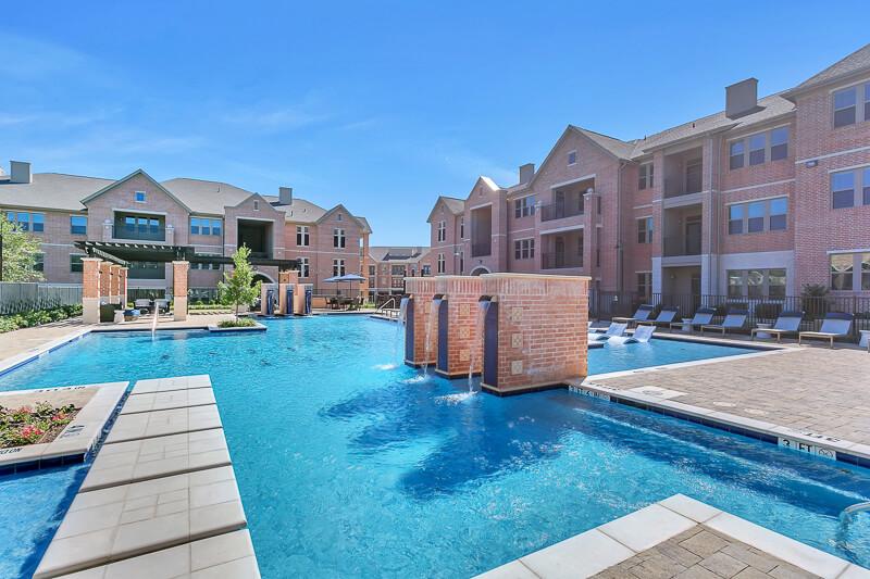 Axis Kessler Park Apartments in West Dallas, TX